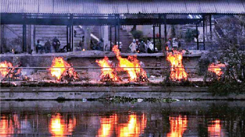 Funeral pyres at a crematorium in Lucknow city (Pic: Sumit Kumar)