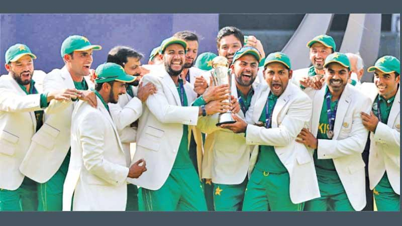 The Pakistan team with the last Champions Trophy in 2017