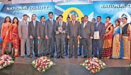 CEO, ABM Ceylon Limited, M. Ramachandran and his team with the award.