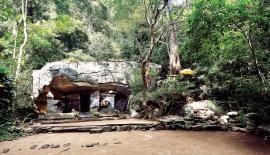 The dwelling chamber used by Arahat Maliyadeva at Arankele