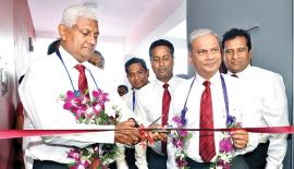 Ceylinco Life's Managing Director R. Renganathan, Directors and senior staff of the company at the opening of the new branch.
