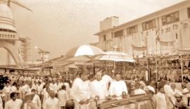 President J.R. Jayewardene, Prime Minister Ranasinghe Premadasa and Ministers Lalith Athulathmudali and Gamini Dissanayake at the completion of the Varaaya Sambuddha Jayanthi Chaitya adjacent to the Colombo Port in 1985