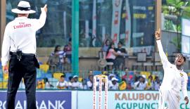 Destroyer of the South African innings Akila Dananjaya successfully appeals for an lbw against Dale Steyn (not in picture)              Pic: Saman Mendis