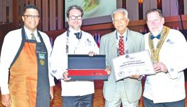 Dilmah Founder Merrill J Fernando receives the Lifetime Achievement Award from WorldChefs President Thomas Gugler (extreme right). CEO Dilmah Tea, Dilhan C. Fernando and Managing Director of World Association of Chefs Societies, Ragnar Fridriksson look on.