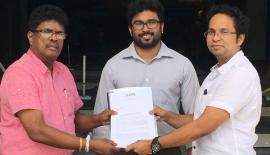 Jayaratne Galagedera with Director/CEO of Scope Cinema, Thushan Meemanage.
