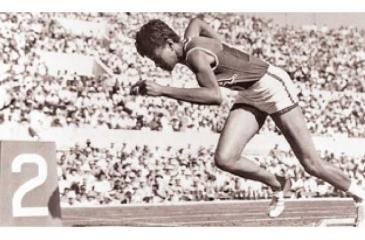 Starting 200m Sprint from the Blocks in Rome 1960