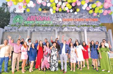 Chairman and Managing Director of Homelands Group – Nalin Herath, Directress of Homelands Group – Mrs. Harshani Herath along with people  who contributed greatly to the success of the project.