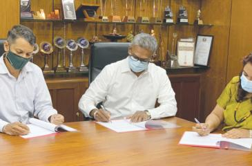 The agreement was signed by Co-Founder, Zerotrash, Heminda Jayaweera, President, Consumer Foods, JKH, Daminda Gamlath and Executive Vice President, Head of Corporate Finance, Group Tax and Social Entrepreneurship Projects, JKH, Nisreen Rehmanjee.
