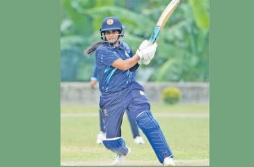 Shashikala Siriwardene plays a shot