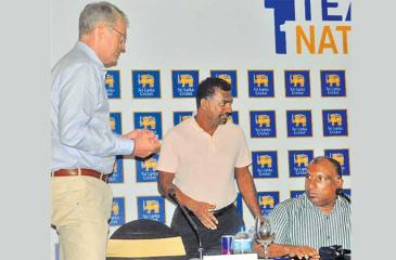 Tom Moody (left), Muttiah Muralidaran and Aravinda de Silva (seated) at what was a tell-all media conference