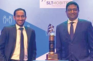 MD Sajith Nanayakkara with the award