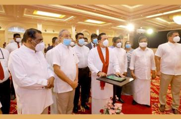 Prime Minister Mahinda Rajapaksa launches the first phase of the Ruwanpura Expressway. Cabinet and State Ministers were also present
