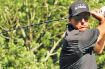 Mickelson gets ticket to ride