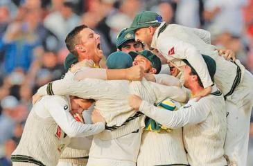 Australia's cricketers celebrate winning the Ashes in 2019