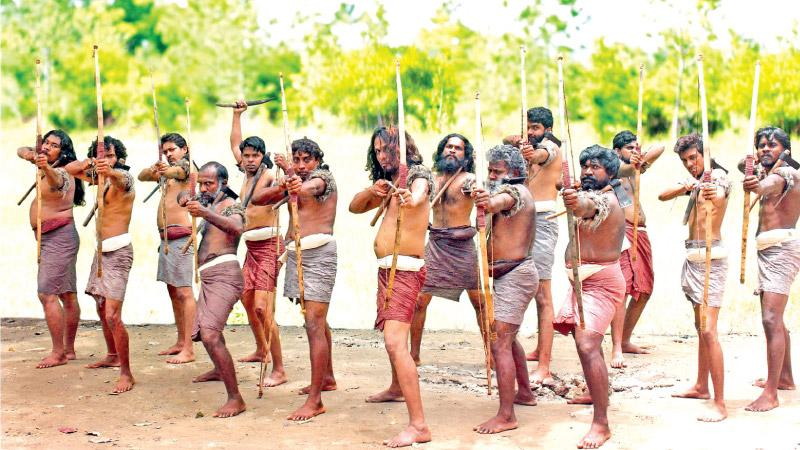 Hela tribesmen ready for action