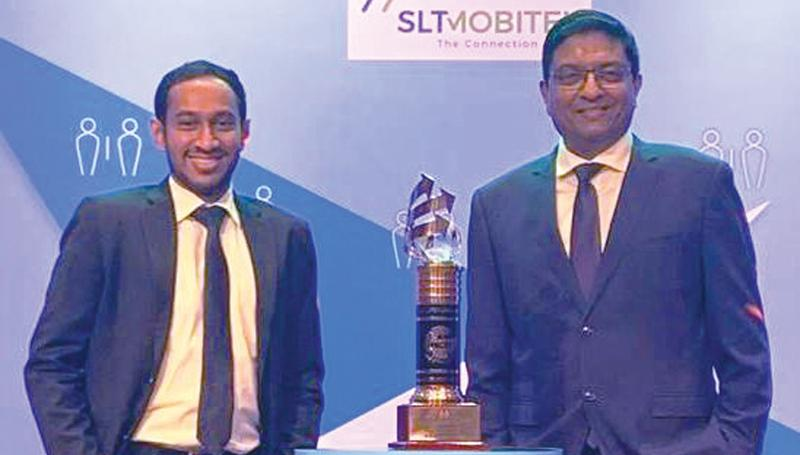 MD Sajith Nanayakkara with the award