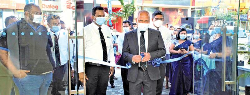 The relocated SDB bank 's Ambalangodabranch was ceremonially opened by SDB bank'sChief Executive Officer Thilak Piyadigama
