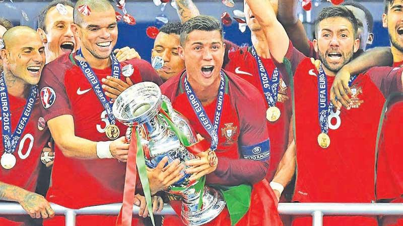 Flashback 2016: Champions Portugal celebrate winning the Euro Cup