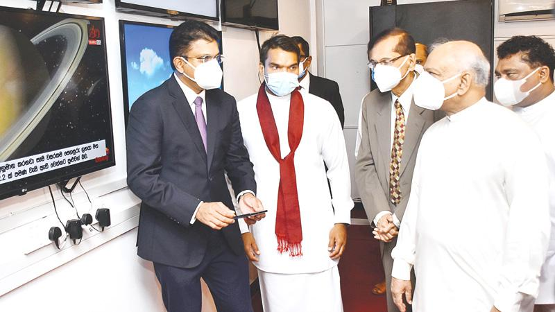 From left: Chief Executive, Dialog Axiata, Supun Weerasinghe, Minister of Youth and Sports and the State Minister of Digital Technology and Enterprise Development, Namal Rajapaksa, Foreign Minister Prof. G. L. Peiris,  State Minister of Women and Child Development, Preschools and Primary Education, School Infrastructure and Education Services, Piyal Nishantha de Silva and Minister of Education Dinesh Gunawardena at the launch